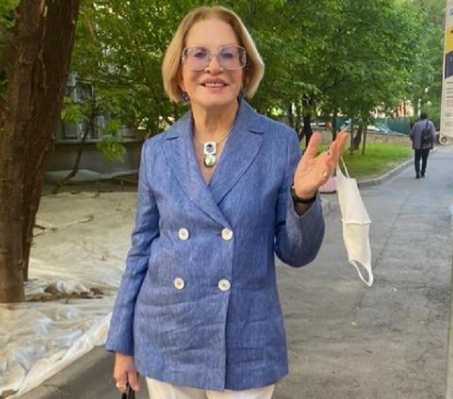 Людмила Максакова