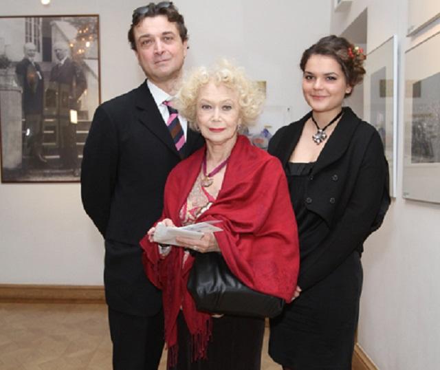 Светлана Немоляева